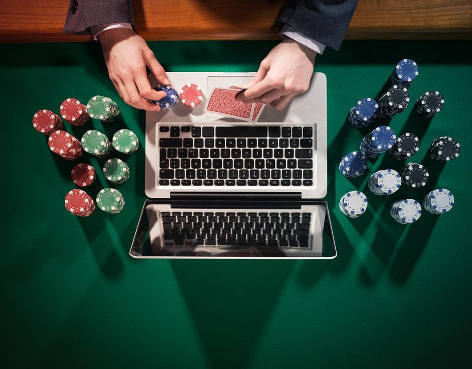 Can-You-Make-A-Living-Gambling-Online